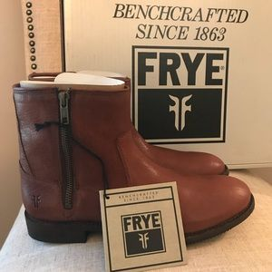 *New in Box* Frye Ethan Double Zip Short Boot 8.5